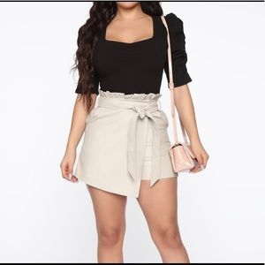 JUST IN!! Puffed Sleeved Top